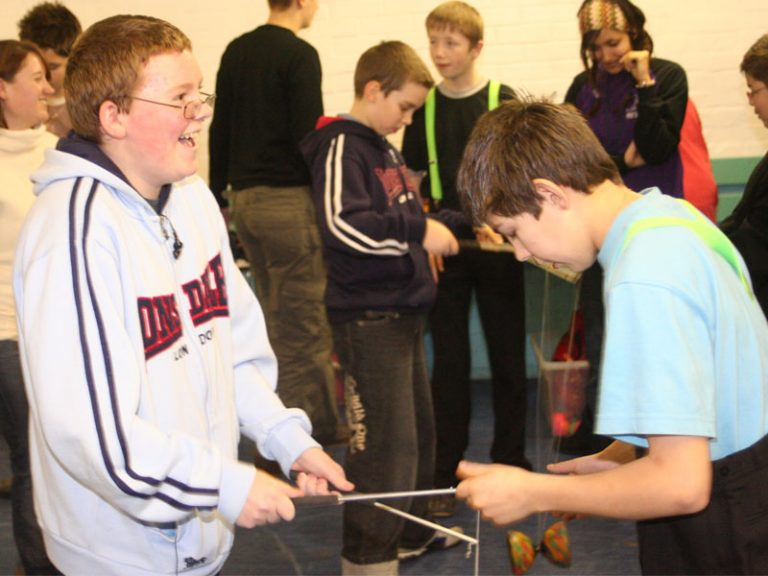 Circus-workshop-at-youth-club-for-SEND-learn-the-diabolo-with-TK-Arts