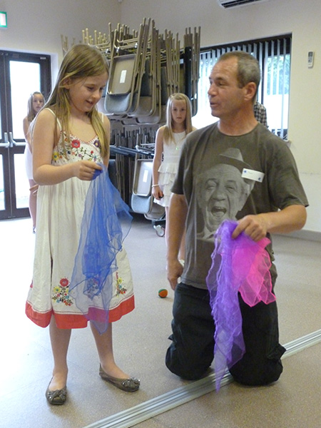 Learning-scarf-juggling-at-family-circus-party-with-Tom-at-TK-Arts
