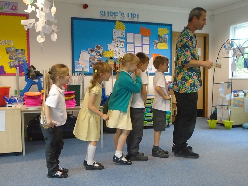 Slapstick-clown-line-with-TK-Arts-at-primary-school-circus-day-web