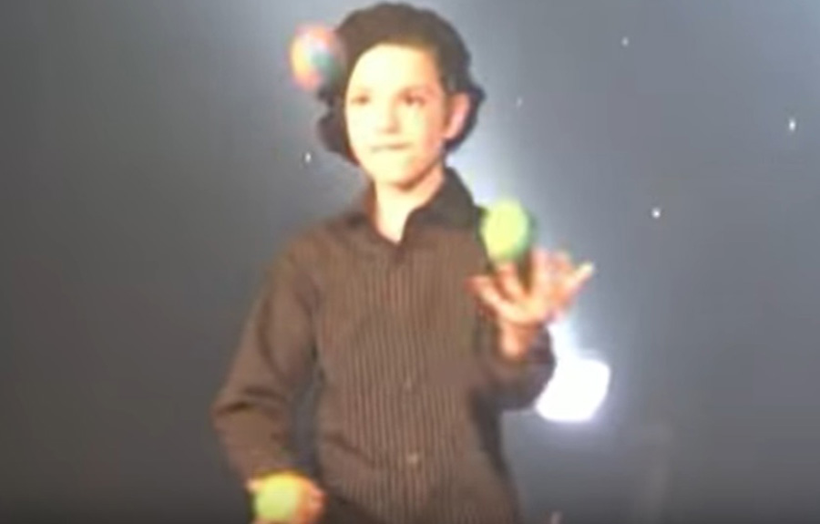 TK-Arts-Talent-Show-secondary-school-3-ball-juggling