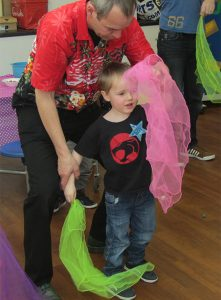TK-Arts-teaches-scarf-juggling-at-circus-party-for-children