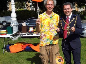 Tom-from-TK-Arts-with-the-mayor-at-folkestone-festival-circus-workshop